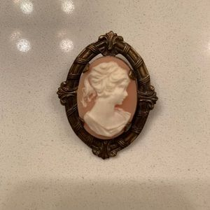 Vintage Cameo Pin Brooch